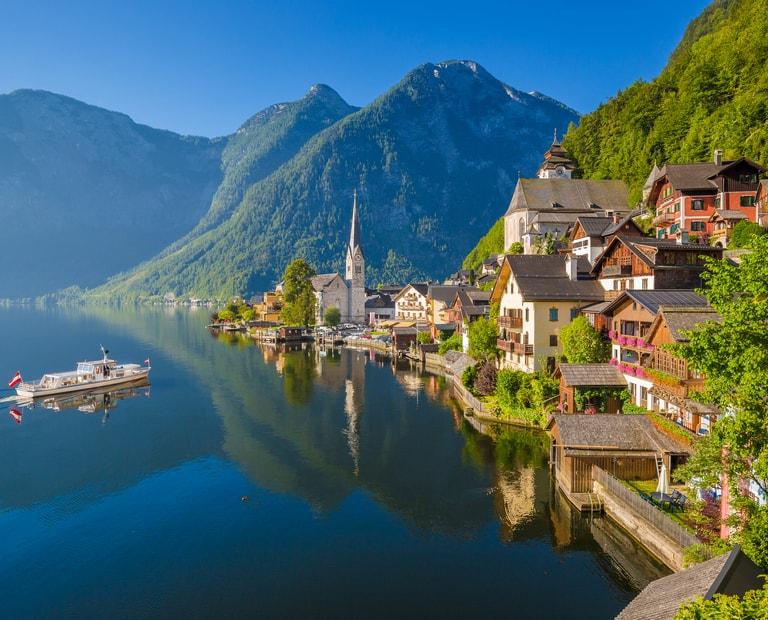 תמונת נוף אגם באוסטריה טיול משפחות